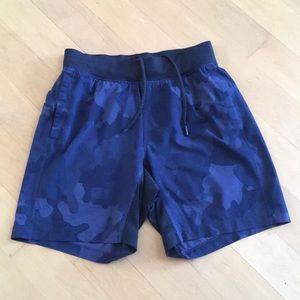 Lululemon Mens Navy Blue Camo Boxer Shorts Pockets